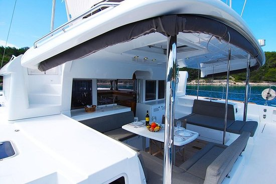 Private Luxury Day Charter, 45ft Catamaran, Grey Goose of London