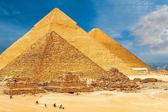 Pyramides de Gizeh et chameau, de Suez