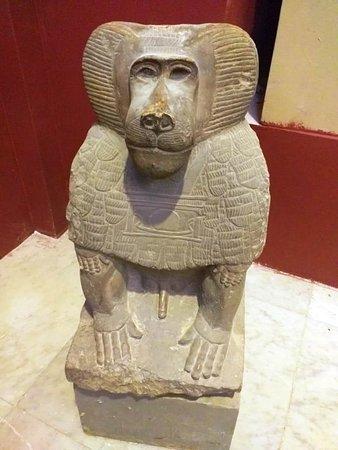 https://www.myegyptianguide.com/%C3%84gypten/kairo-touren/halbt%C3%A4giger-ausflug-das-%C3%A4gyptische-museum-und-ins-altstadt-kairo/ Besuchen Sie das Ägyptische Museum.Bestaunen Sie die Statuen der Könige aus dem alten, mittleren und neuen Reich.
