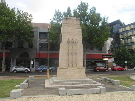 Bendigo Cenotaph