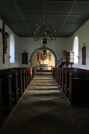 in der Kirche drin