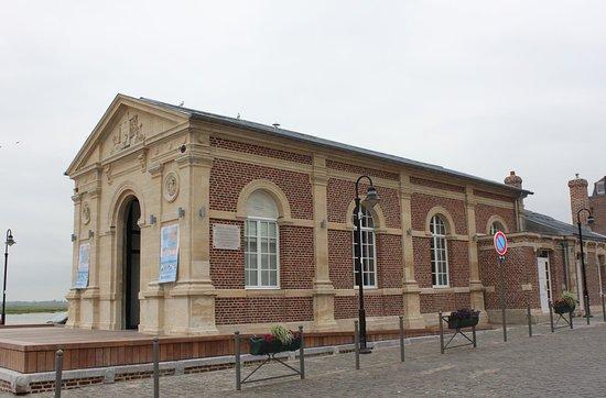 Saint-Valéry - Ville basse, le Tribunal de Commerce, place des Pilotes