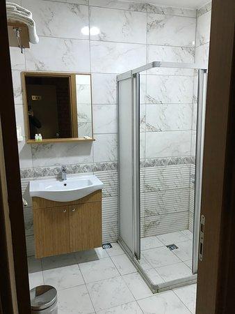 Banyolar geniş ve temiz