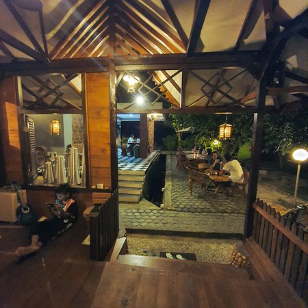 Kampong Dedaun Coffee Shop
