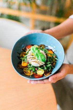 Bagel Yard: Burrata Salad