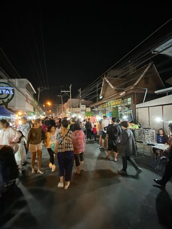 Saturday Night Market  Walking Street - Wua Lai Road