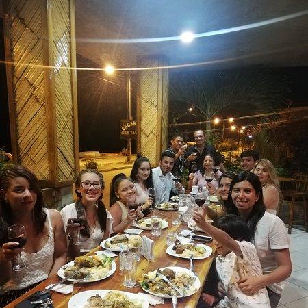 Isla Salango, Ecuador: Una muy bna cena en el restaurante en cabaña mar 🏊♂️🏄♂️✌️