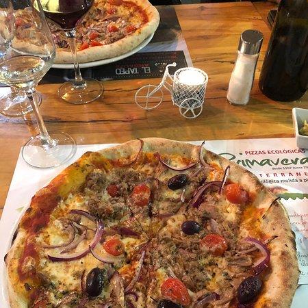 La Primavera, Colombia: Herkullinen pizza. Mukava palvelu ja erittäin maistuvat pitsat.