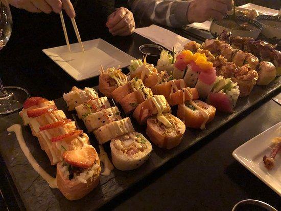 """L'Atelier Sushi: Les makis """"Suprise du chef""""."""