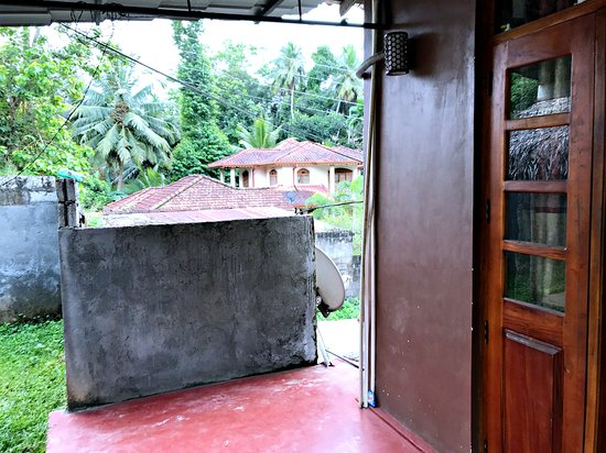 Entrance room left side