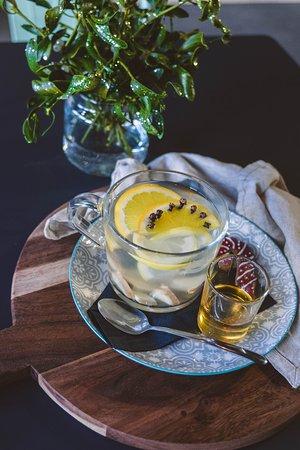 Rozgrzewający napój imbirowy idealny na zimowe dni