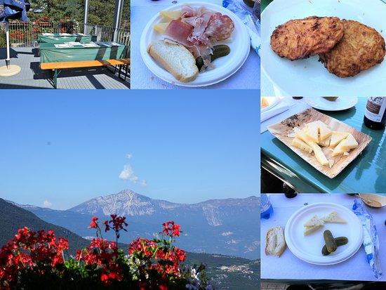 Pozzacchio, Италия: Le repas sur le site
