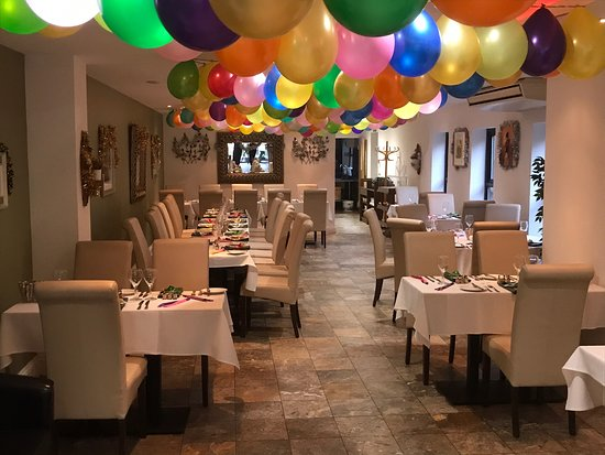 Crowthorne, UK: New Year's Eve party set up