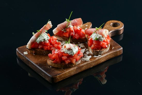 Bruschettes prosciutto gorgonzola