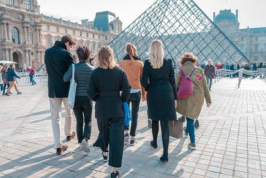 Visita feminista privada do Louvre