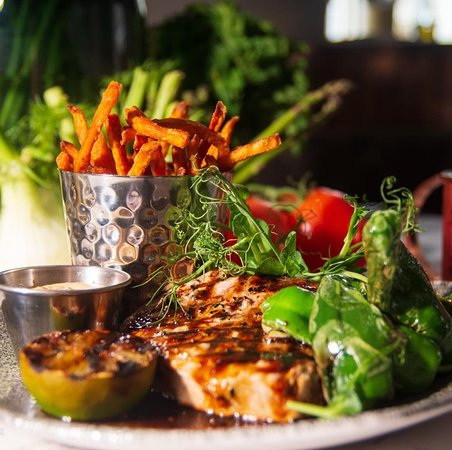 One of our favorite dishes. Seared tuna with sweet potato fries <3