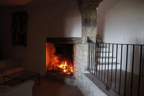 Querol, สเปน: Sala y acceso habitaciones