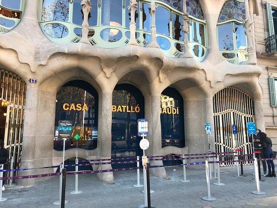 Complete Gaudí Tour: Casa Batlló, Park Guell & Sagrada Família with Tower Climb: Outside Casa Batllo at start of tour
