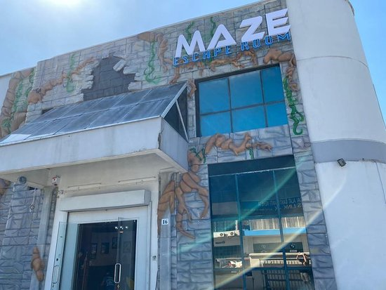 Maze Escape Room