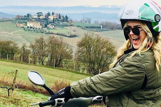 Excursão privada em Vespa pela Toscana...