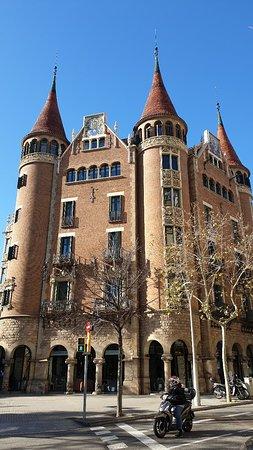There ist not Gaudi allen in Barcelona