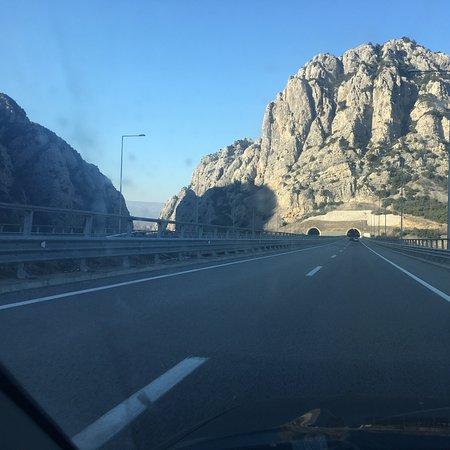 Demir Kapija, Republiek Macedonië: New highway to Skopje