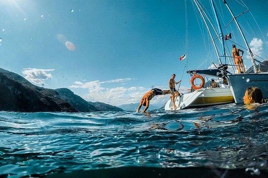 Eventyr og frihed: Sejler på Comosøen