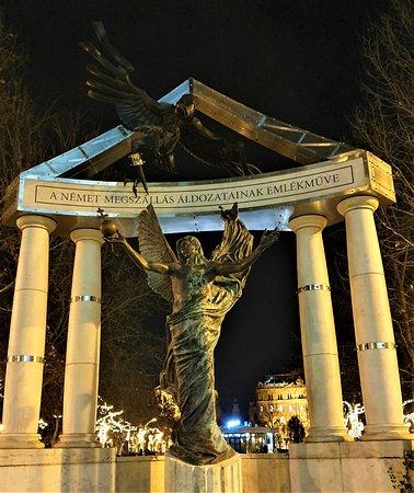 Iberostar Grand Budapest - Picture No. 162 - By israroz - (Dec. 2019) - Szabadsag Square