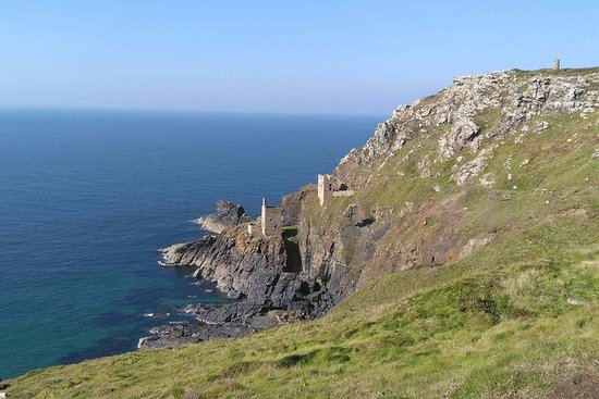 Private one-day luxury guided tour of Poldark TV-series locations...