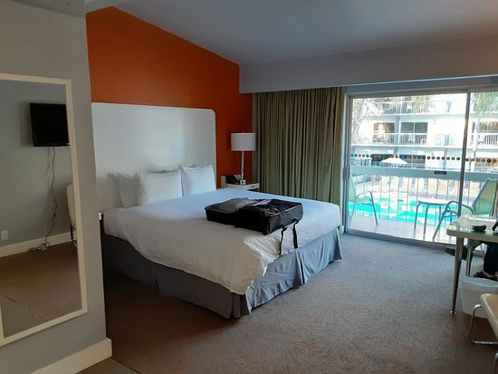 Room 634. Felt shabby with small tv that is wired strangely, desk chair is torn, balcony was dirty even ice bucket was missing the handle.
