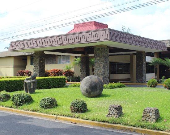 Ciudad Cariari, Costa Rica: Entrada principal