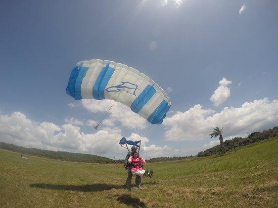 Paraquedismo Praia do Forte