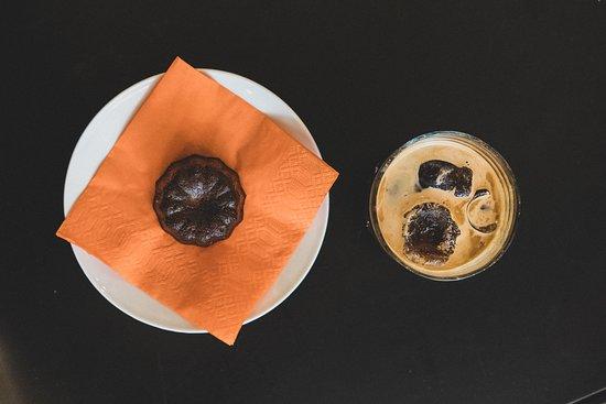 Artisan coffee, cakes and savoury breakfast treats