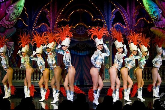 Late Night Show im Moulin Rouge mit...