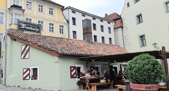 Quaint restaurant building
