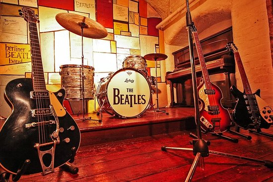 Billet coupe-file: The Beatles Story...