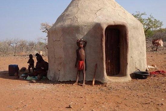 Visite a vila Himba a 30 minutos do...