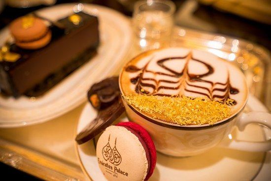 Emirates Palace High Tea avec...