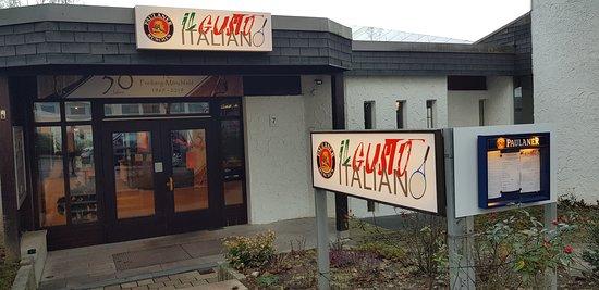 """Das ehemalige Vier Burgen Restaurant heißt nun """"il gusto italiano"""" und bietet  jede Menge leckerer Speisen wie Fisch, Fleisch, Pasta und Pizza Gerichte auch zum mitnehmen.  Barrierefreier Zugang"""