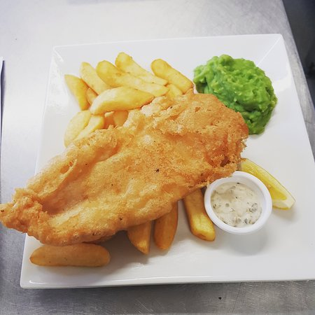 Shawbury, UK: Beer battered fish and chips