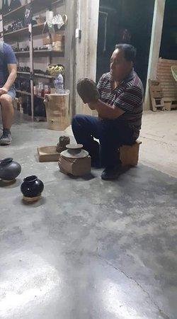 San Bartolo, Mexico: taller de barro