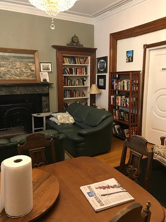 Lounge/ library