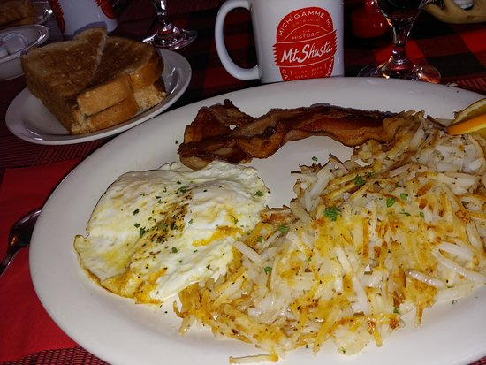 Michigamme, MI: An amazing brunch with perfectly cooked over-easy eggs!