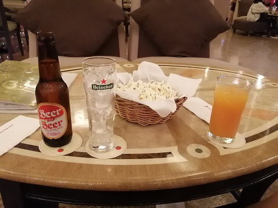Welcome drinks (choice of beer [Beer na Beer only], juice, or bottled water) + complimentary popcorn.