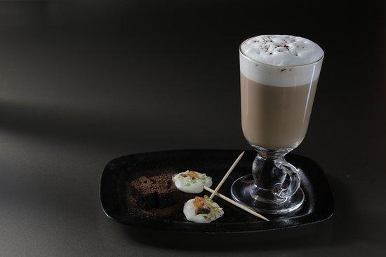 Maple & vanilla latte