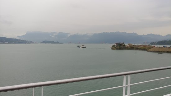 5-Day President No. 7 Yangtze River Luxury Cruise Tour from Yichang: Yangtze River