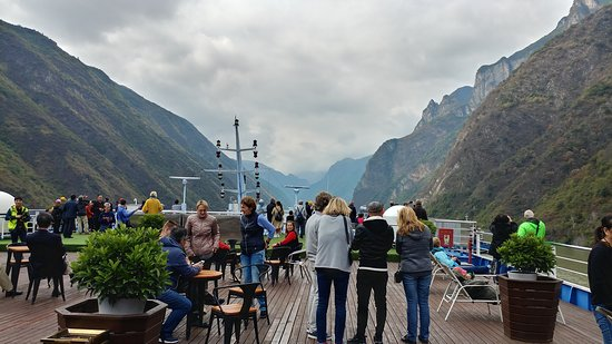 5-Day President No. 7 Yangtze River Luxury Cruise Tour from Yichang: Upper deck on President 7