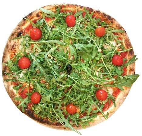 VEGAN PIZZA VIENNA - tomato sauce, violife mozzarella, rocket, tomatoes, garlic sauce, olives, oregano