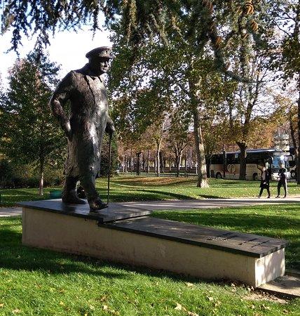 Paris, Prancis: Winston Churchill