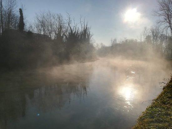 Bernate Ticino, Italy: Naviglio Grande a gennaio